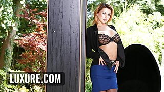 Driver in a hot threesome with Anna Polina and Jessie Volt